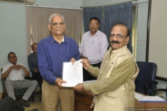 Dr R G Sharma Felicitating Dr O P Bahl on joining 80+ fraternity
